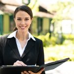 Real Estate Broker vs Agent: What's the Difference?